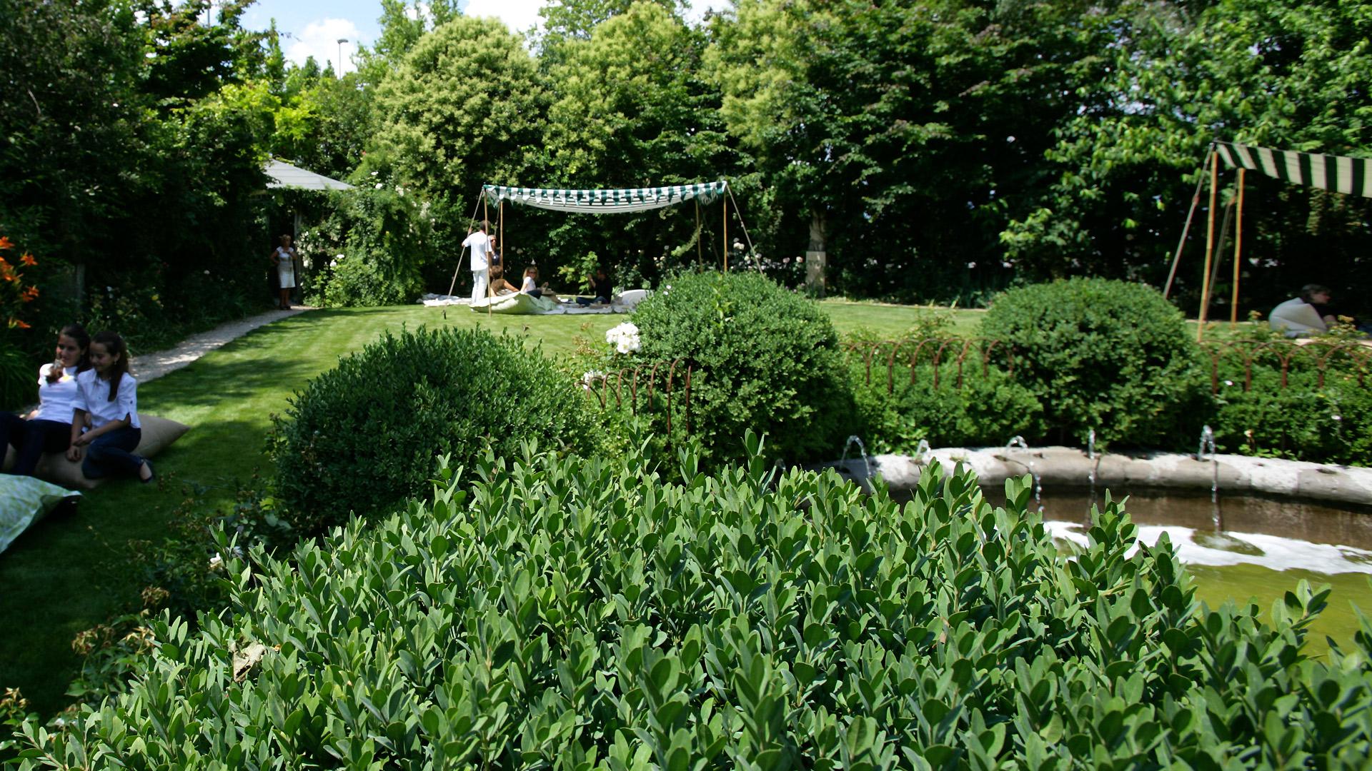 Affordable uno spazio versatile dove organizzare fragranti - Organizzare il giardino ...